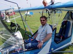 un paraplegico sul suo aereo ultraleggero