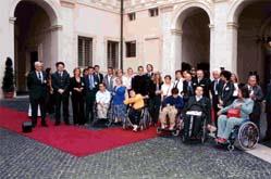 Un gruppo di disabili a Palazzo Chigi per il Fiaba day